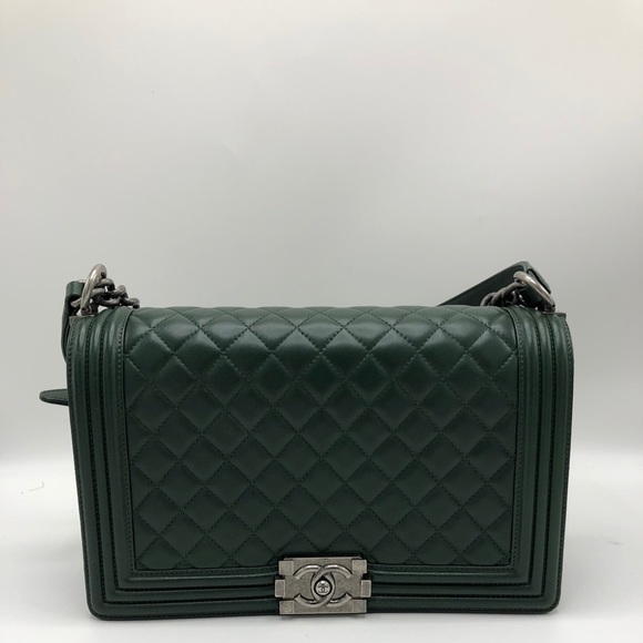 CHANEL Bags   Medium Boy Bag   Poshmark ad1705e020